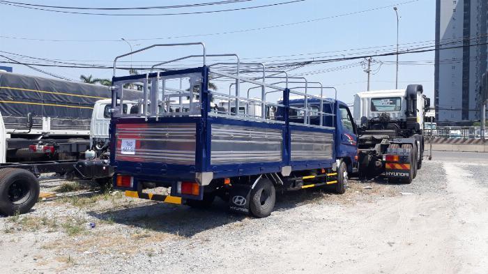 Hyundai N250SL 2,4 Tấn Thùng Dài 4,3m Lưu Hành Trong TP.HCM Vào Giờ Cao Điểm. 4