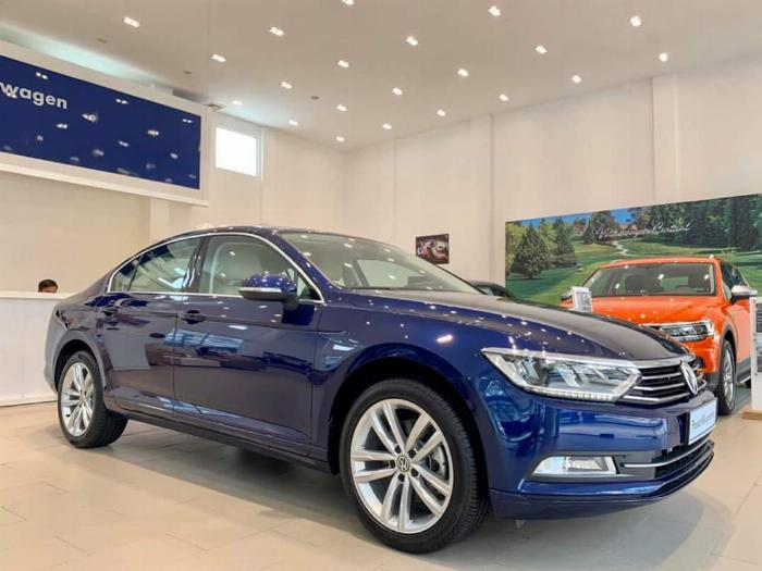 Volkswagen Passat BlueMotion High Giảm giá sốc chỉ còn 1ty 302 triệu 1