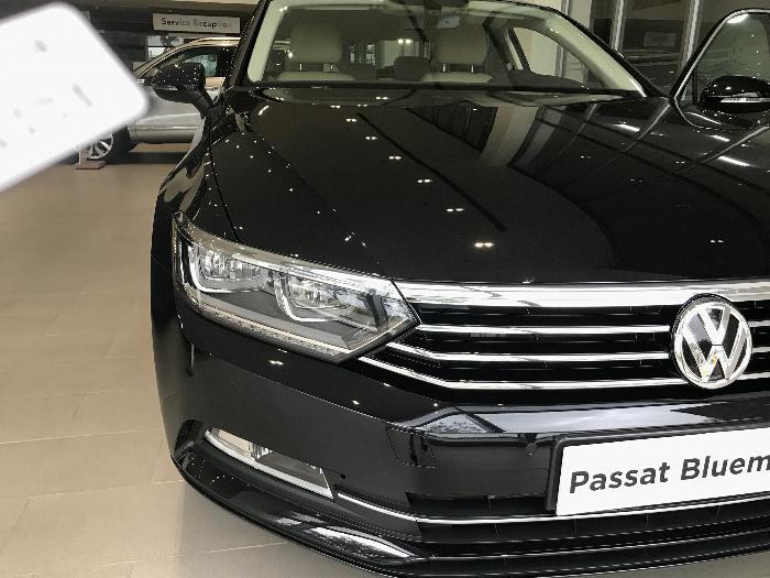 Volkswagen Passat BlueMotion Comfort Ưu đãi khủng chỉ còn 1 tỷ 214 triệu 8