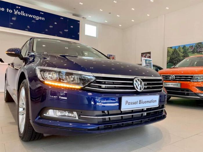 Volkswagen Passat BlueMotion High Giảm giá sốc chỉ còn 1ty 302 triệu 2