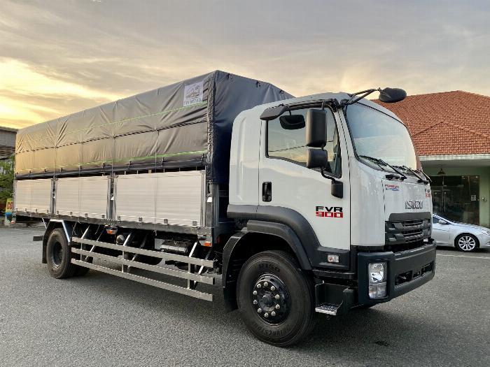 Xe tải Isuzu 8T Thùng Bạt 7m4, 8m2, 9m6, KM 20 tr 0
