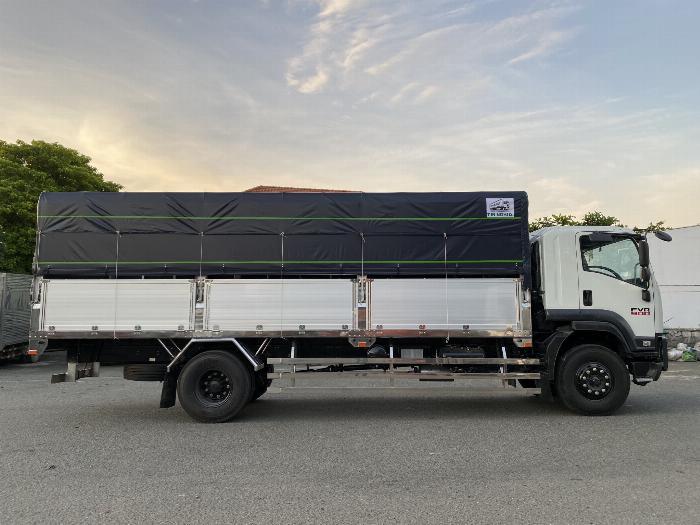 Xe tải Isuzu 8T Thùng Bạt 7m4, 8m2, 9m6, KM 20 tr 1