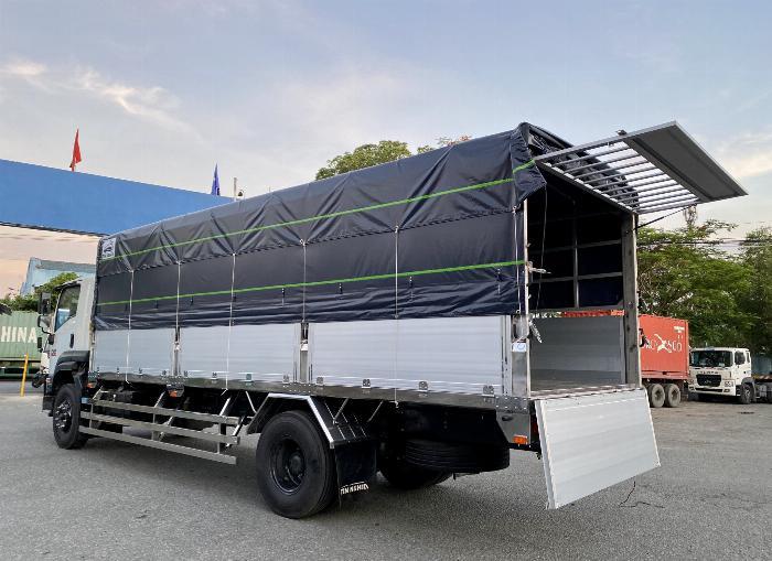Xe tải Isuzu 8T Thùng Bạt 7m4, 8m2, 9m6, KM 20 tr 2