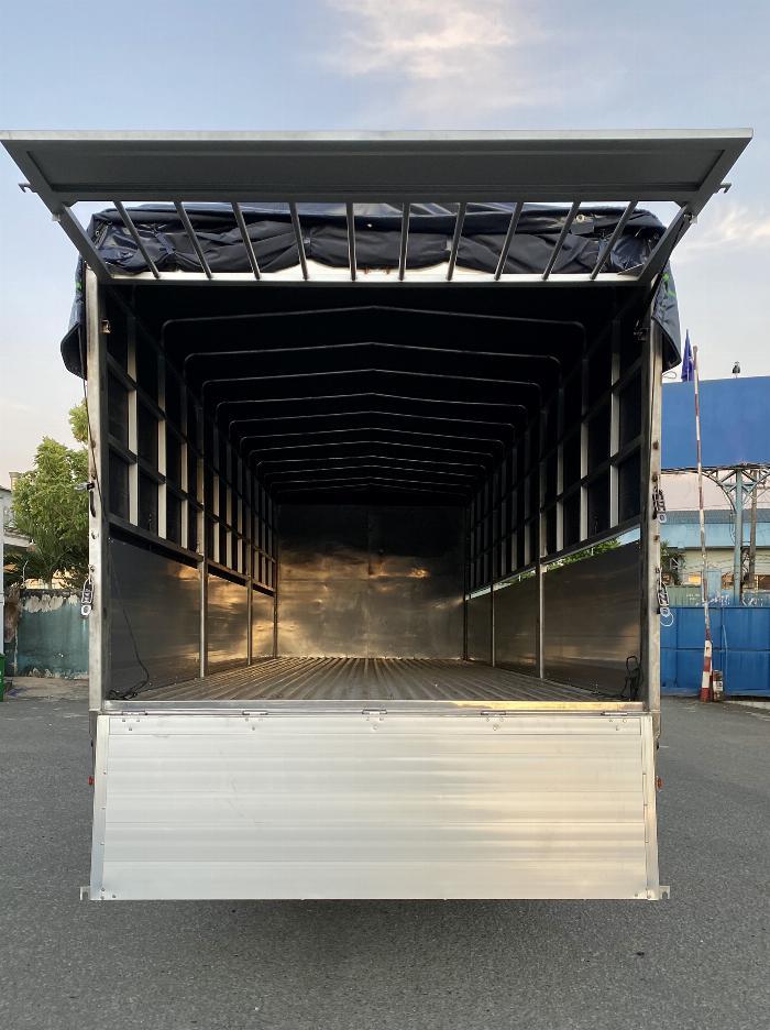 Xe tải Isuzu 8T Thùng Bạt 7m4, 8m2, 9m6, KM 20 tr 3