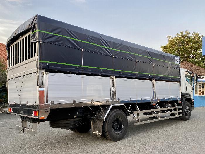 Xe tải Isuzu 8T Thùng Bạt 7m4, 8m2, 9m6, KM 20 tr 6