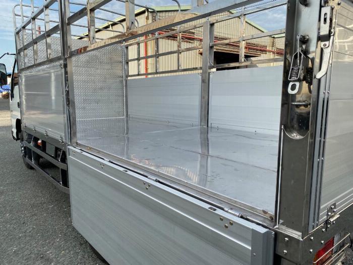 xe tải isuzu QKR 270 2t4 1