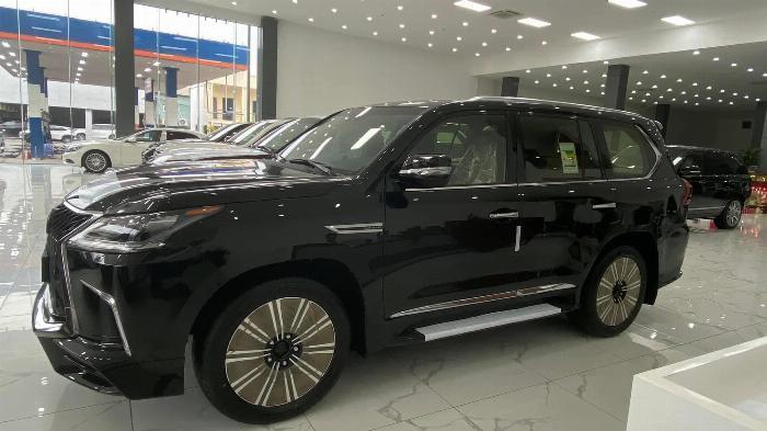 Giao ngay. Giá tốt. Lexus LX 570 Super Sport MBS,sản xuât 2020 3