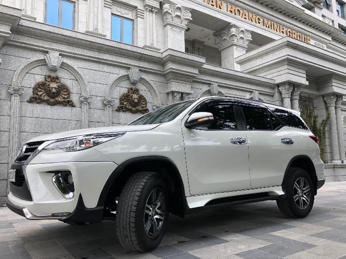 Bán Toyota Fortuner Máy xăng 1 cầu nhập khẩu 2019 2