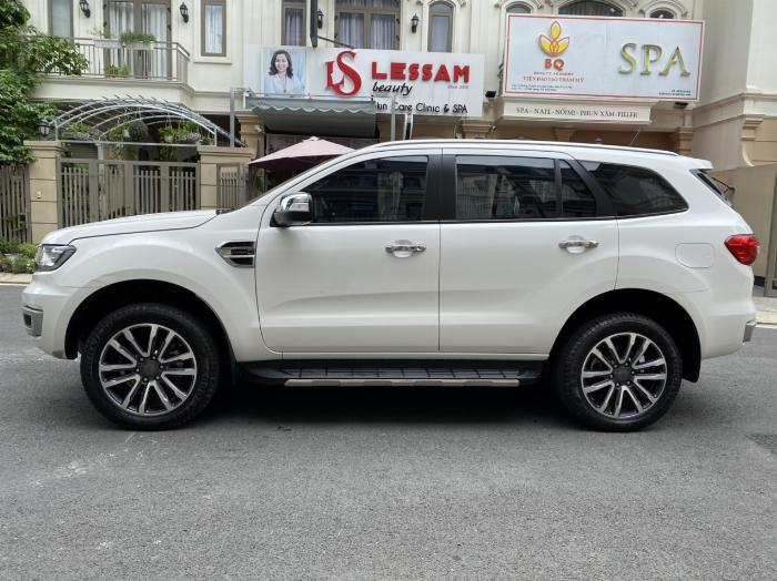Bán xe ford Everest titanium 1 cầu màu trắng 2018 5