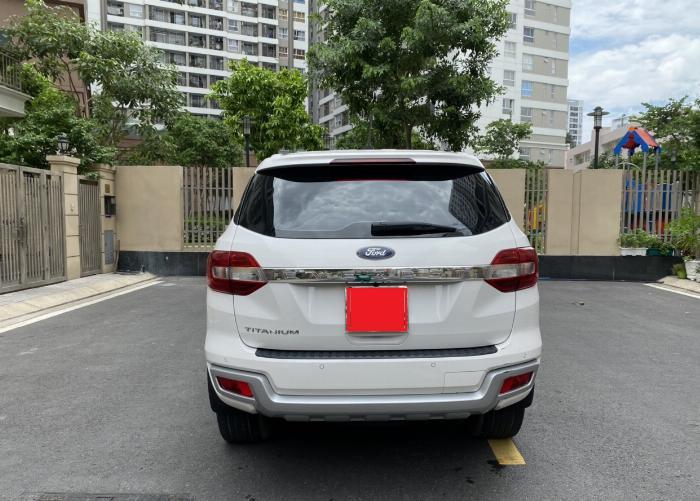 Bán xe ford Everest titanium 1 cầu màu trắng 2018 7