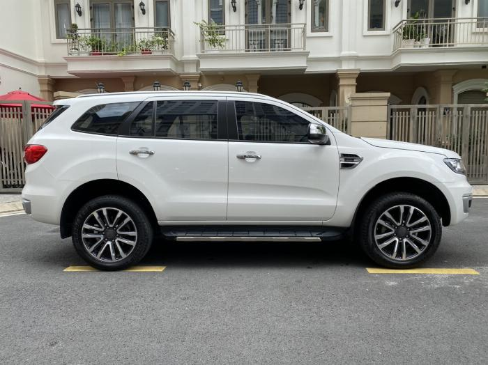 Bán xe ford Everest titanium 1 cầu màu trắng 2018 4