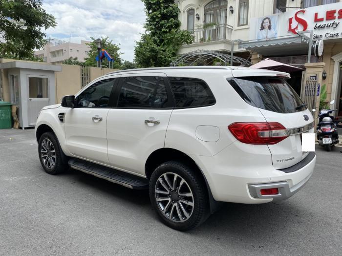 Bán xe ford Everest titanium 1 cầu màu trắng 2018 8