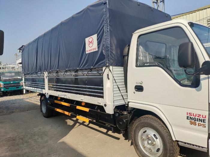 Đại lý xe tải isuzu 1t9 - thùng bạt 6m2 chở hàng bao bì giấy vào thành phố 4