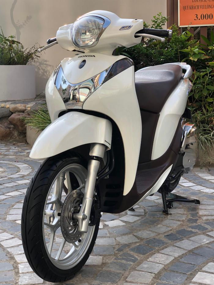 Cần bán SH Mode 125cc cuối 2014 màu Trắng cực chất