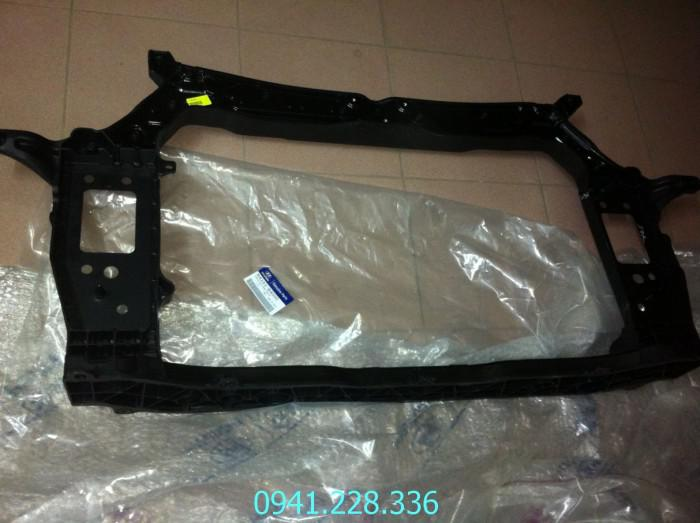64101B4000 Khung xương đầu xe Hyundai i10 0