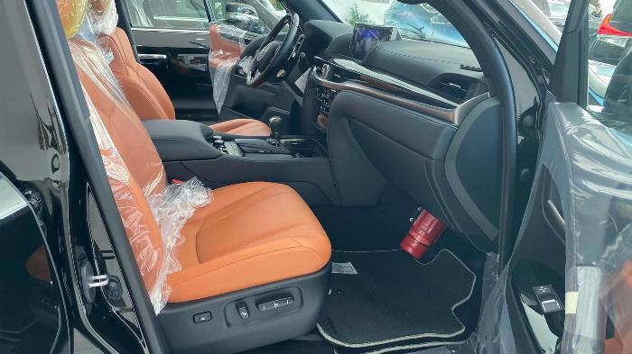 Bán Lexus LX 570 Super Sport sản xuất 2020, nhập trung đông và Mỹ, xe giao ngay,giá tốt nhất thị trường. 9