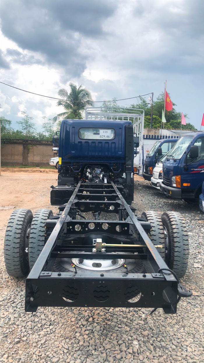 Hyundai 8 tấn EX8 - thùng dài 5m7 1