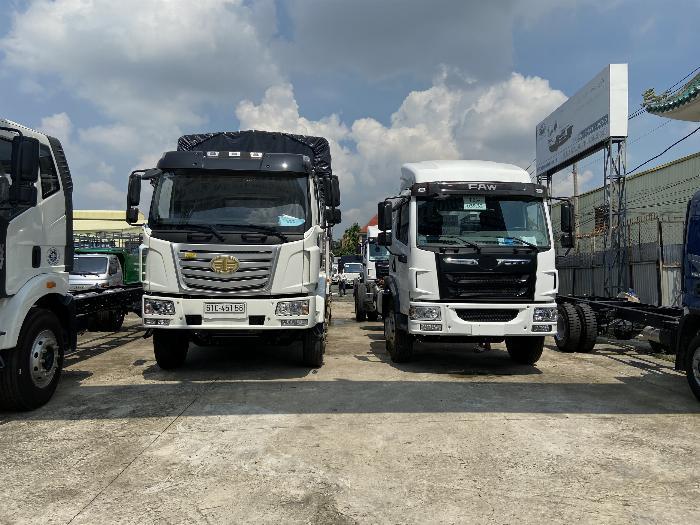 xe tải faw 8 tấn thùng dài 8m chở hàng cồng kênh 5