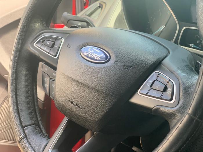 Ford Focus Sport 5 cửa bản Full 7