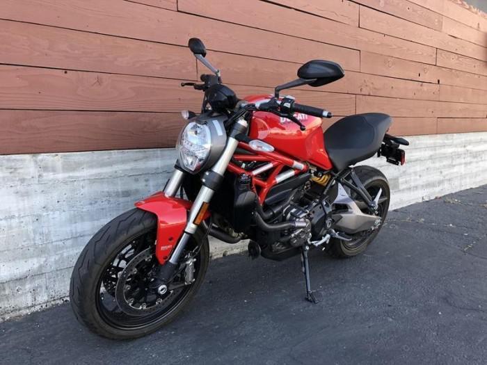 Ducati Monster 821 NEW 100% 1
