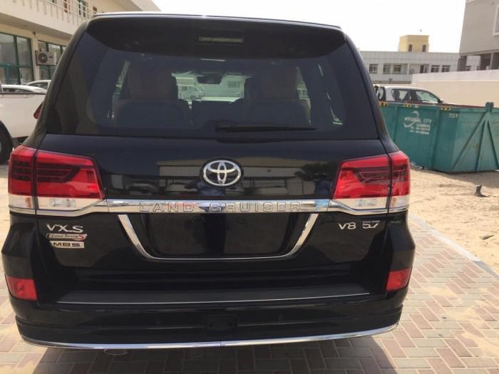 Bán Toyota Land Cruise VXS 5.7 MBS, 4 ghế thương gia,sản xuất 2020,xe giao ng 8