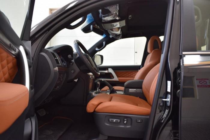 Bán Toyota Land Cruise VXS 5.7 MBS, 4 ghế thương gia,sản xuất 2020,xe giao ng 2