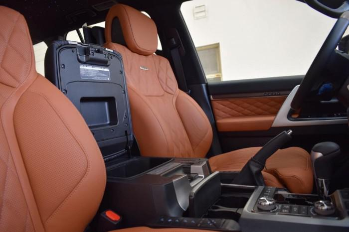 Bán Toyota Land Cruise VXS 5.7 MBS, 4 ghế thương gia,sản xuất 2020,xe giao ng 7