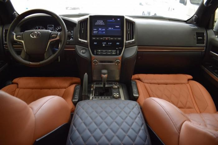 Bán Toyota Land Cruise VXS 5.7 MBS, 4 ghế thương gia,sản xuất 2020,xe giao ng 4