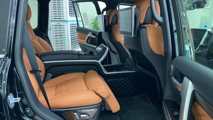 Bán Toyota Land Cruise VX S 5.7 sản xuất 2020, 4 ghế Massage siêu Vip,xe giao 9