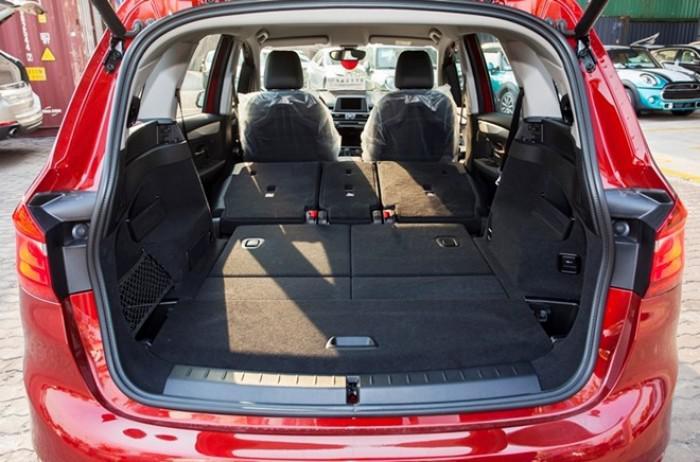 BMW 218i Gran Tourer có khoang hành lý khá rộng