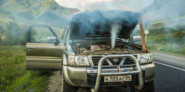 Những nguyên nhân khiến động cơ ô tô quá nóng
