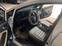 Bán Kia Cerato 2.0AT màu trắng số tự động sản xuất 2018 đi 5000km xe mới đập thùng