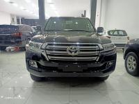 Bán Toyota Land Cruiser 4.6 nhâp chính hãng 2021, màu đen, nội thất nâu, xe sẵn giao ngay.