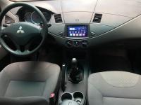 Mitsubishi Zinger sản xuất năm 2010 Số tay (số sàn) Động cơ Xăng