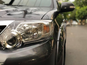 Bán Toyota Fortuner 2013 máy dầu Xám long chuột xe đi kỹ