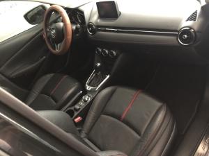 Bán Mazda 2 sedan 1.5AT màu đen VIP số tự động sản xuất 2016 biển Sài Gòn đi 15000km