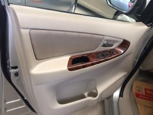 Bán thanh lý giá rẻ!!!!! Innova V 2013. Xem xe giảm từ 40tr