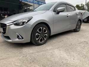Bán Mazda 2 2017, màu bạc, đúng chất, giá TL, hổ trợ góp