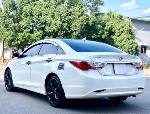 Bán xe Hyundai Sonata sx 2011 màu trắng cực đẹp, xe cũ nhưng đi kỹ giữ gìn