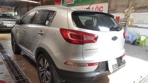 Hãng bán Kia Sportage 2 cầu 2010 đăng ký 2011, màu bạc, đúng chất, giá thương lượng