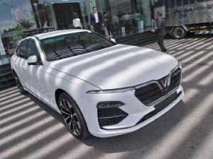 Giá xe VinFast Lux A 2.0 8/2019