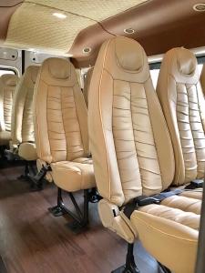 Ford Transit 2019 New, (Hỗ trợ ghế da, bọc da 5D, lót sàn), HT vay 80-90%, lãi suất ưu đãi - LH 0915150797
