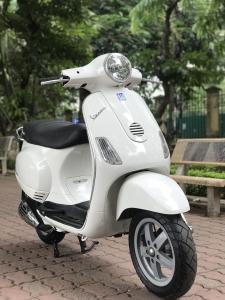Vespa LX màu trắng nhập Ý biển thần tài VIP 29G1-23979