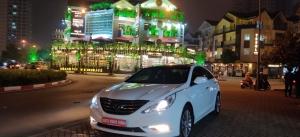 Bán Hyundai Sonata 2013 màu trắng, nhập khẩu nguyên chiếc