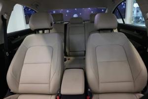 Bán xe SEdan 5 chỗ Volkswagen Passat Bluemotion nhập khẩu nguyên chiếc từ Đức