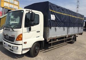 Xe tải HINO FC tải 6T5 thùng bạt bửng nhôm 6m7, trả trước 30%