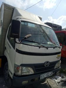 Xe tải Hino 1.8 tấn thùng kín, 2011