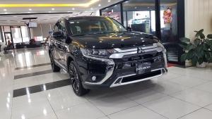 Mitsubishi Outlander sản xuất năm 2020 Số tự động Động cơ Xăng