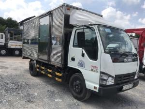 xe tải isuzu QKR đời 2017 tải trọng 2t1 thùng dài 4m3 máy lạnh đầy đủ có tóp