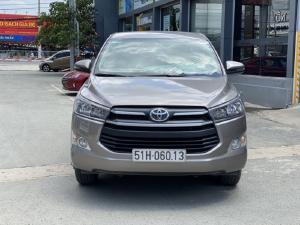 Toyota innova E 2.0MT 2019 màu đồng biển SG